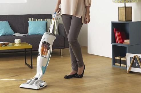 aspirateur qui nettoie et lave