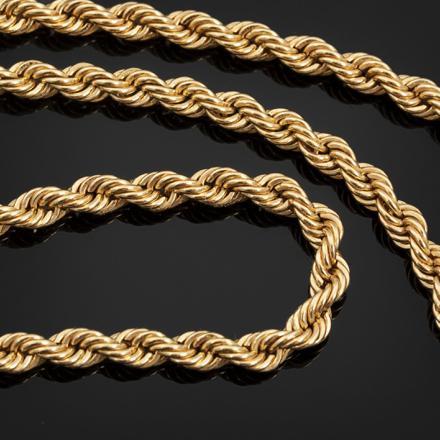 collier or torsadé