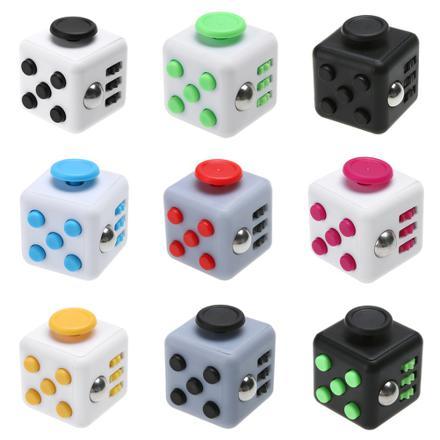 cube hand spinner