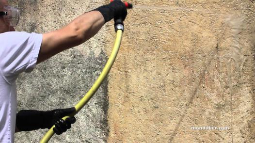 nettoyer un mur exterieur